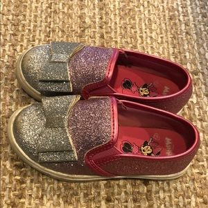 Glitter bow Minnie Mouse slip ons